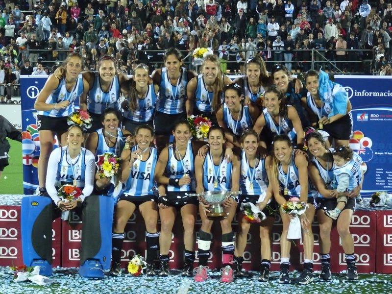Sección «Recuerdos»: ARGENTINA EN ROSARIO 2010, MUCHO MÁS QUE 18 JUGADORAS CAMPEONAS DEL MUNDO